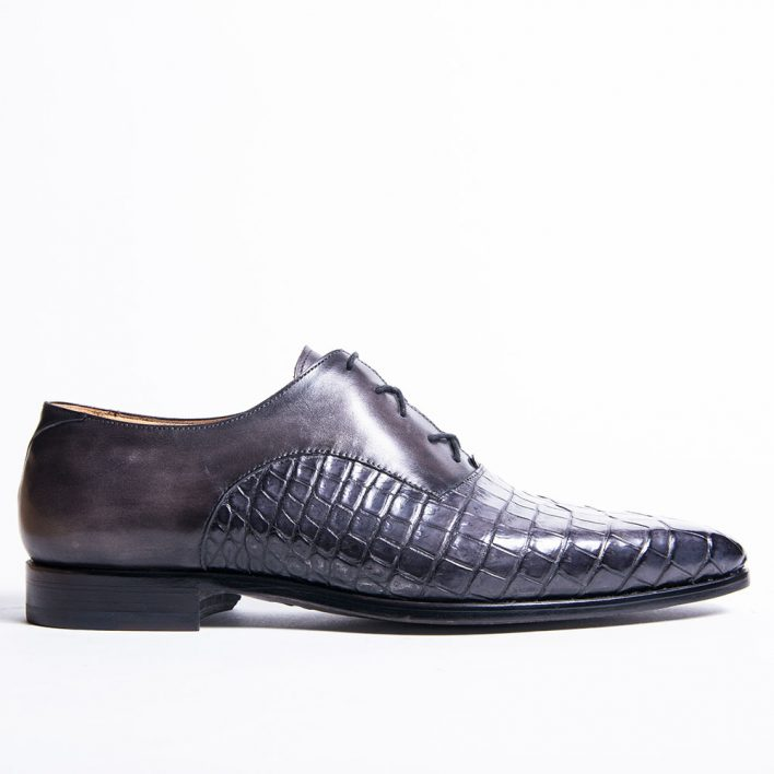Oxford shoe, bi-material crocodile and box calf